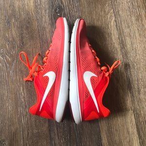 Nike Flex Run 2016 Sneakers